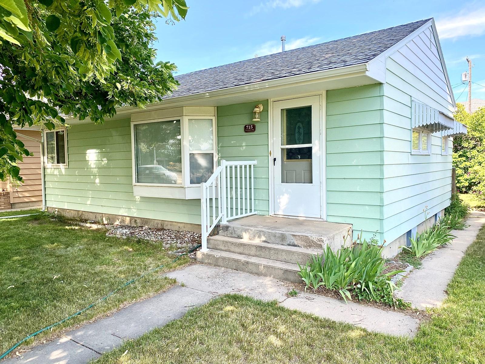 Starter Home For Sale, 2 Bedroom, 1 Bath