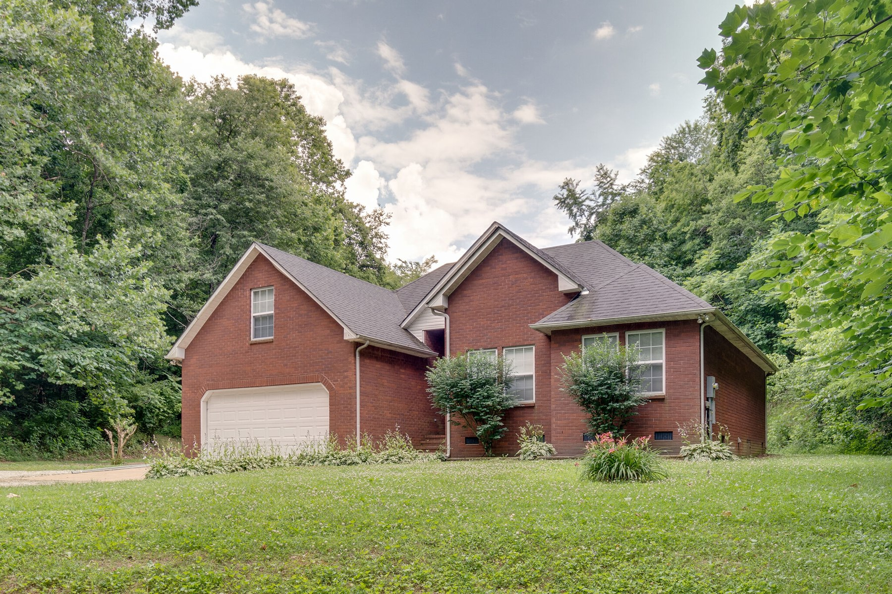All Brick Home for Sale with Acreage, in Culleoka, Tennessee