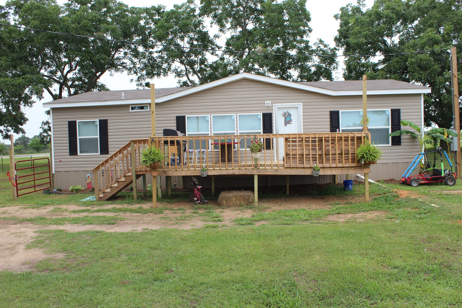 Country Home and Land For Sale in Dale County, Alabama