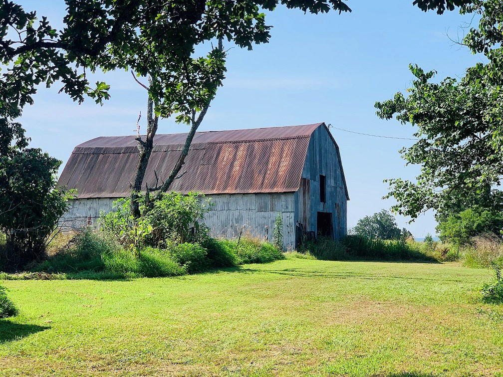 FARM HOUSE WITH ACREAGE & YEAR ROUND SPRING FOR SALE