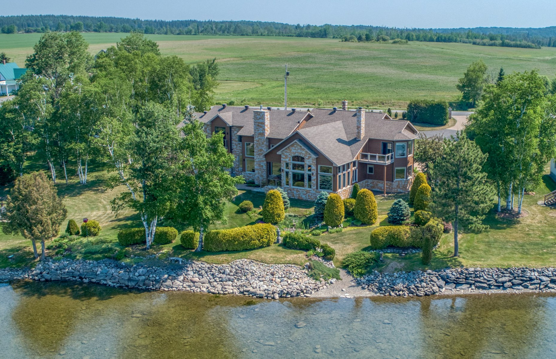Maine Lakefront Luxury Home For Sale