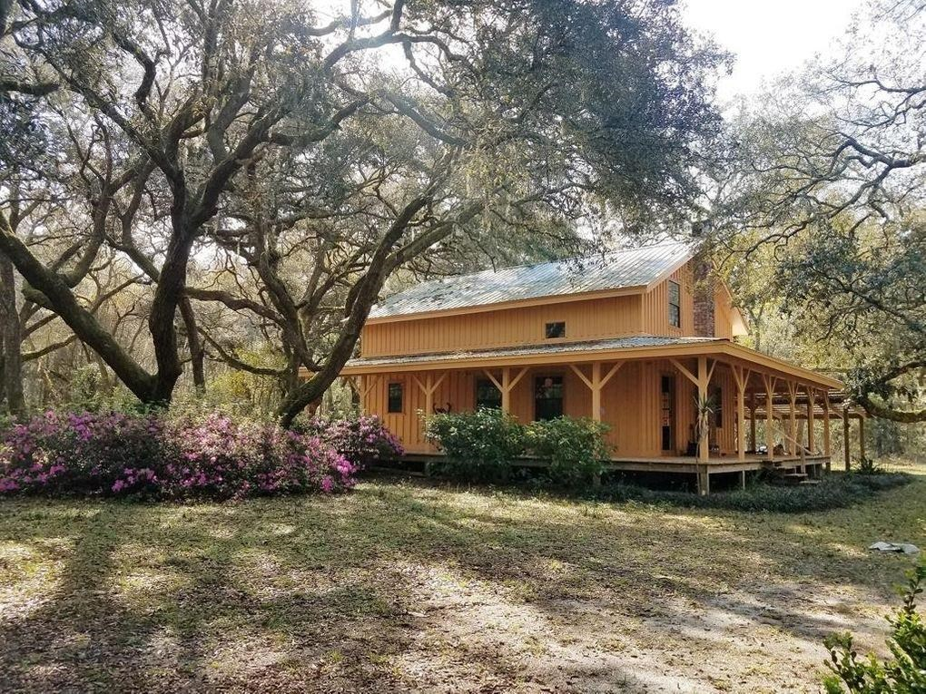 Cypress Home on 2.7 acres close to Suwannee River, Trenton