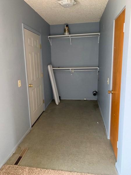 Entry/Laundry