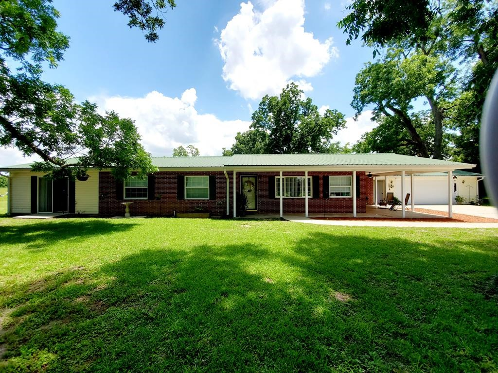 Brick 4BR/2BA home on 5 acres. Farmers paradise. Bell, FL
