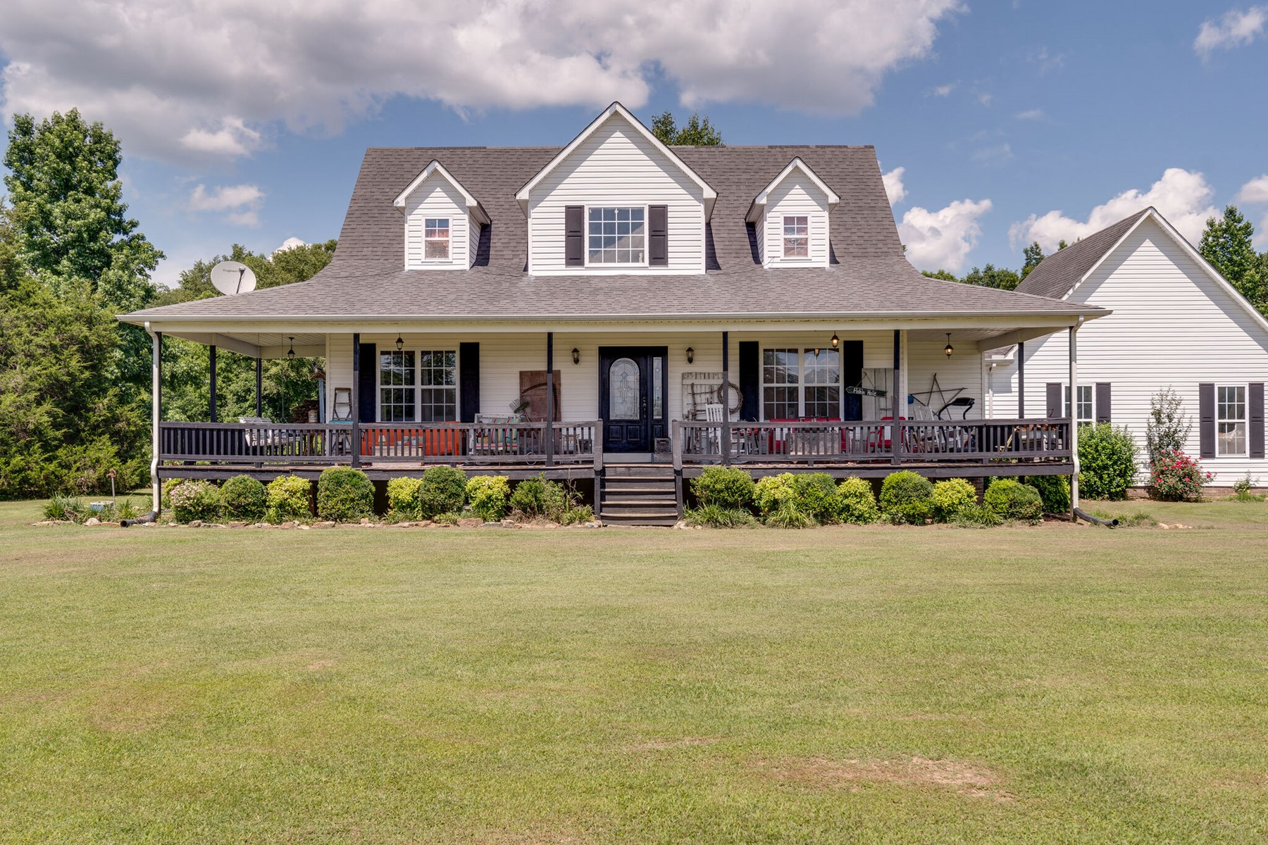 Middle Tennessee Country Home with Acreage for Sale