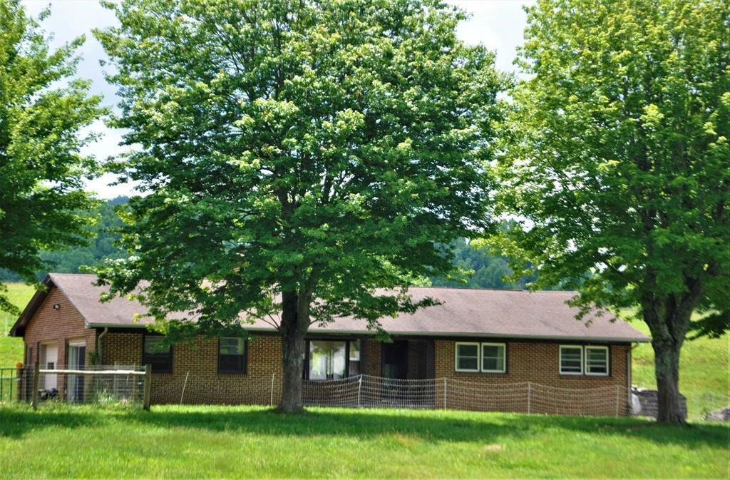 Home for Sale in Floyd VA