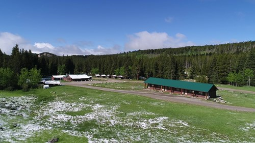 Mountain Lodge and Cabins For Sale in Washakie County, WY