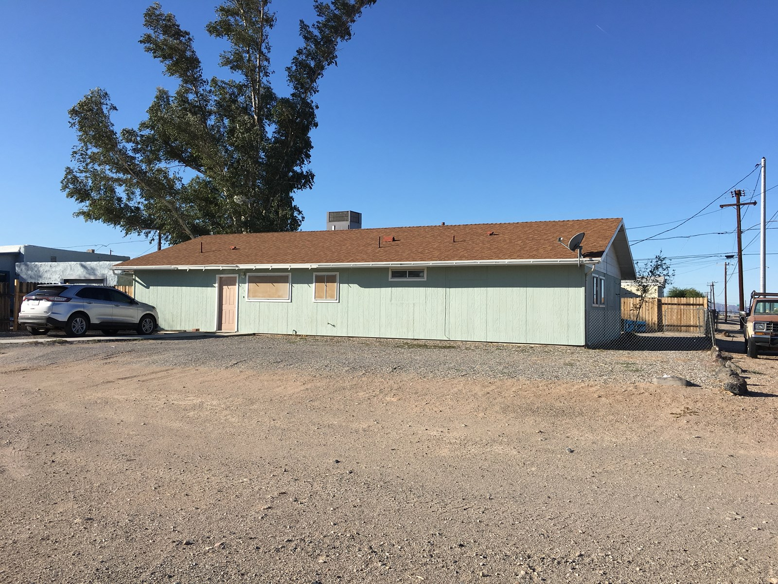 Home on Corner Lot with guest house in Parker AZ