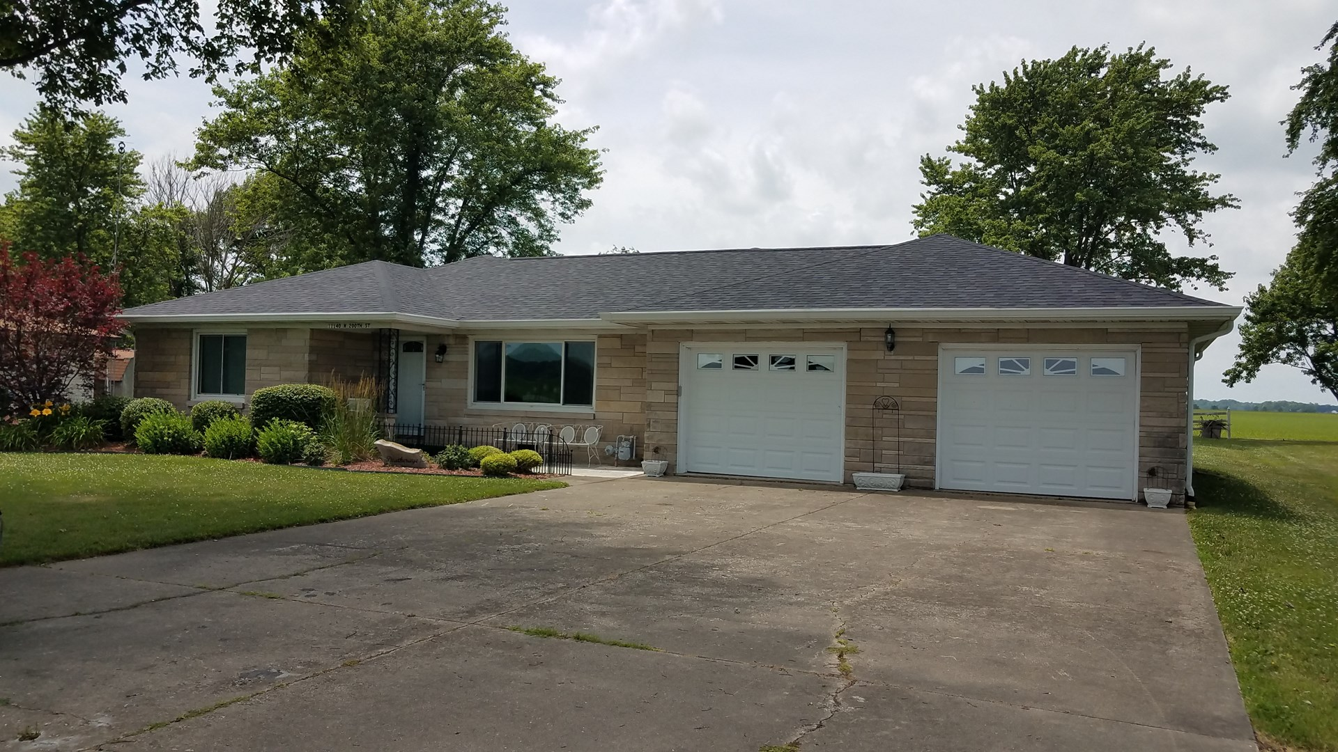 3 Bedroom, 2 Bath Home, For Sale at Auction, Oblong, IL