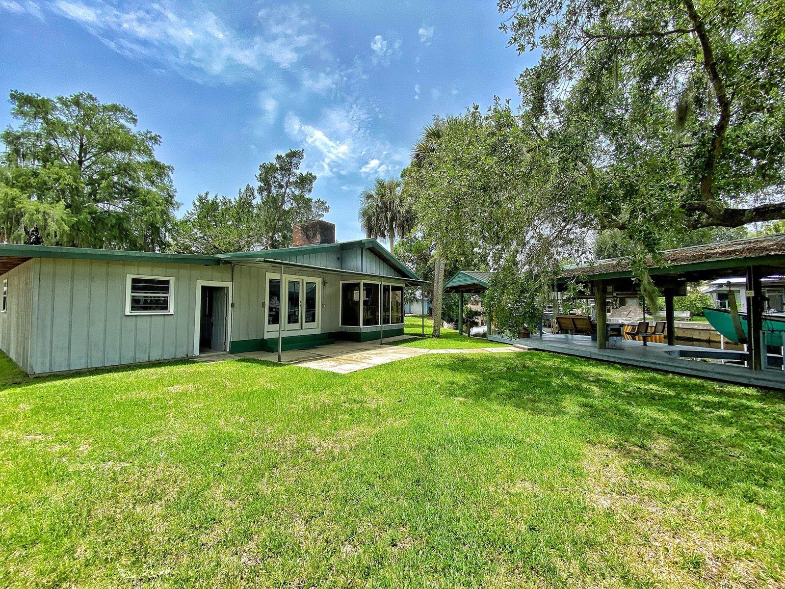 SUWANNEE FLORIDA WATERFRONT HOME FOR SALE ON CANAL