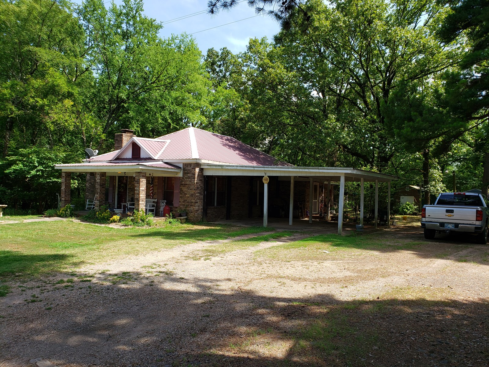Country Home & 8 Acres - Mixture Pasture and Woods