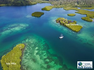 IDYLLIC ISLANDS IN TIERRA OSCURA BOCAS DEL TORO PANAMA