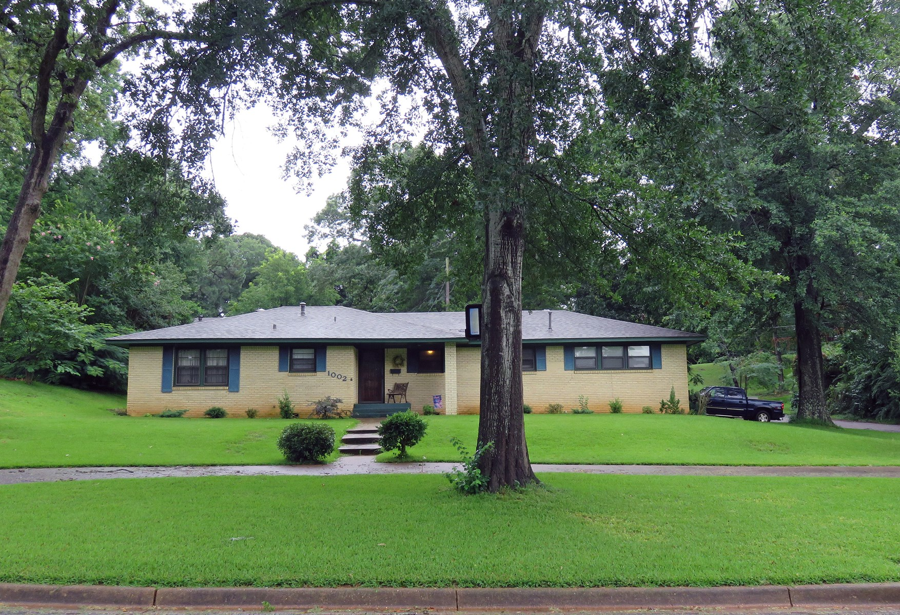 3/1.5 FOR SALE IN PALESTINE, TEXAS