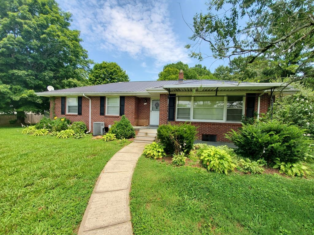3BR, 2Ba Brick home/across street from High School/