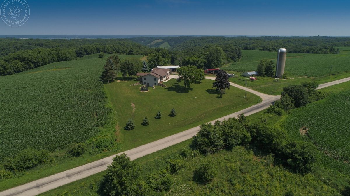 Country Home with Hunting & Tillable Land for Sale in Boscob