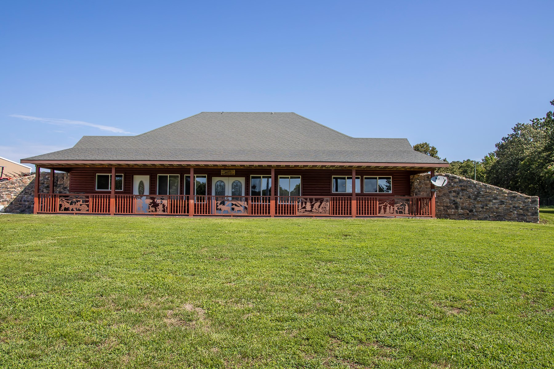 Beautiful Craftsman Log Style Earth Home on 45 Acres
