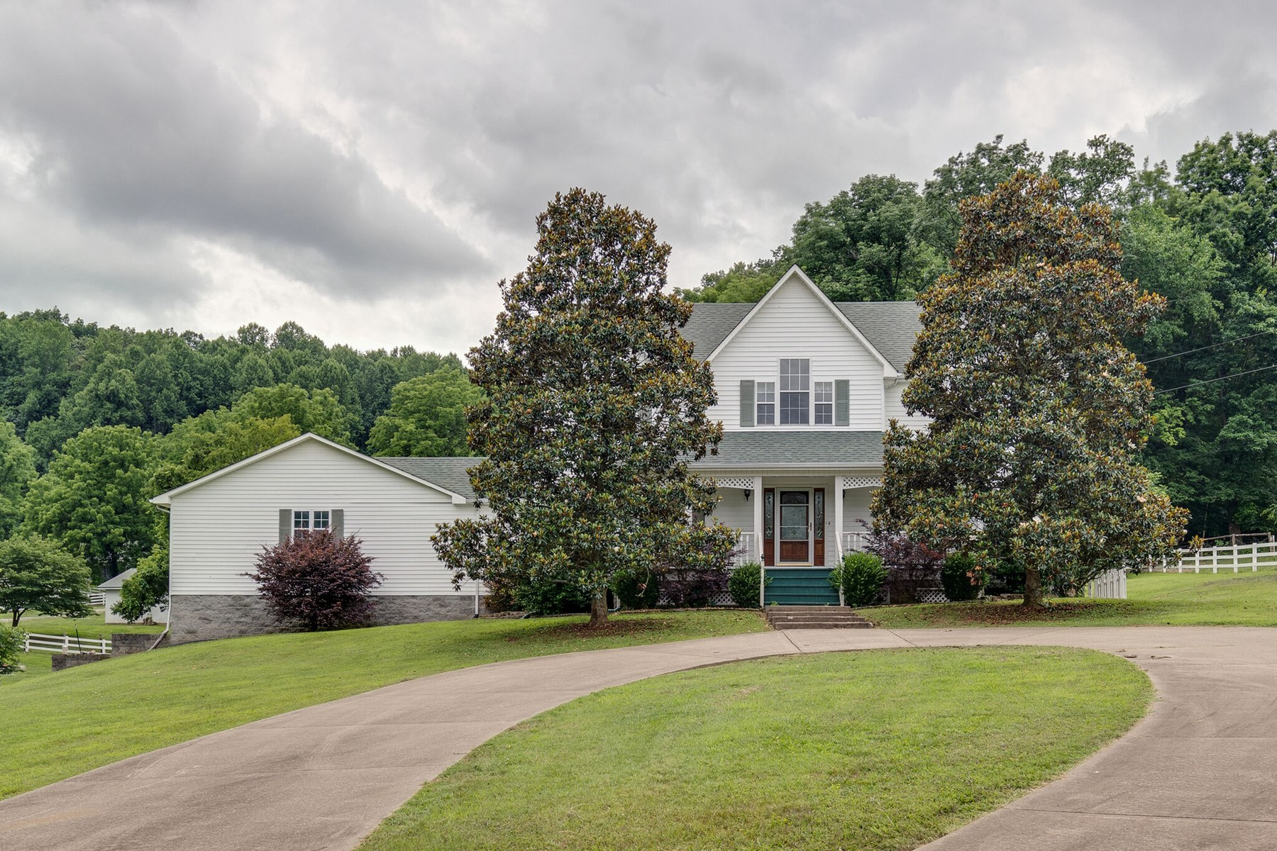 Equestrian Estate for Sale in Lewisburg, Marshall County, TN