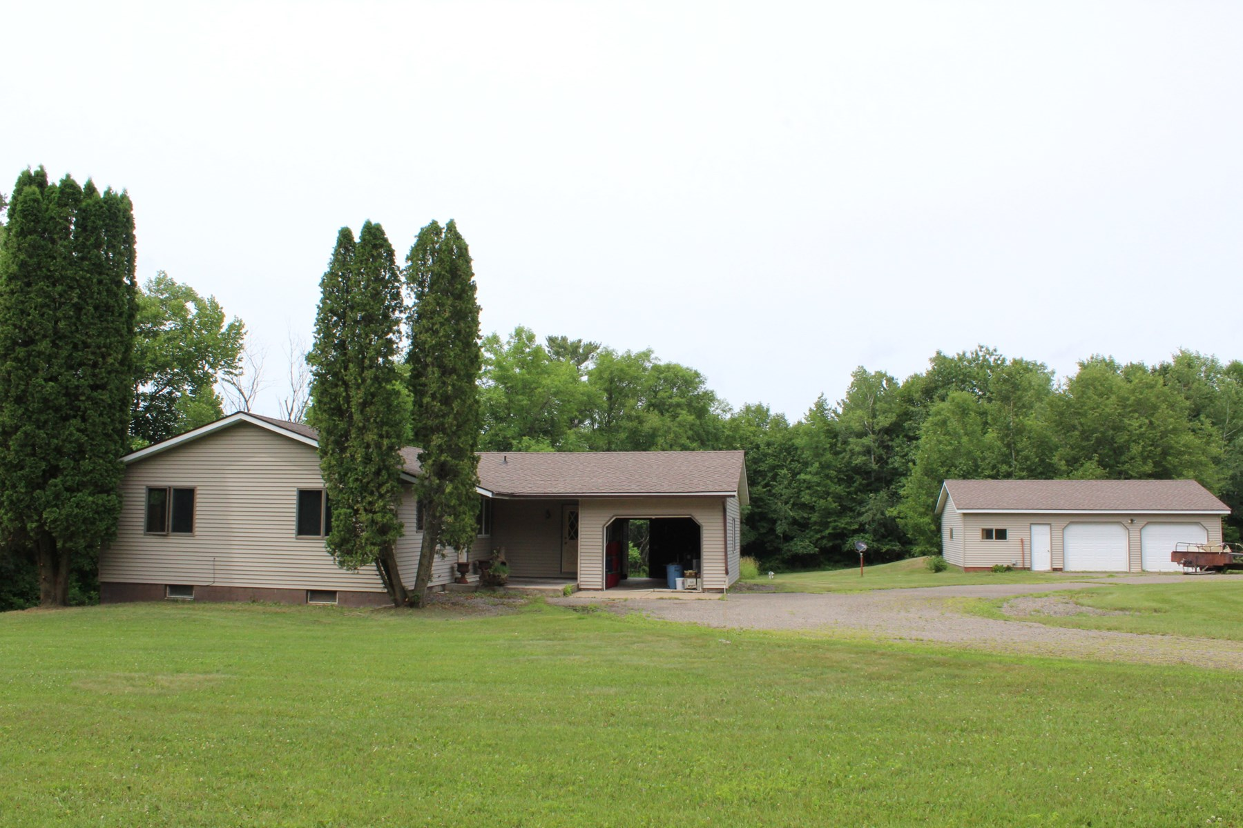 Milaca Country Home w/ River Frontage on 10 Acres for Sale