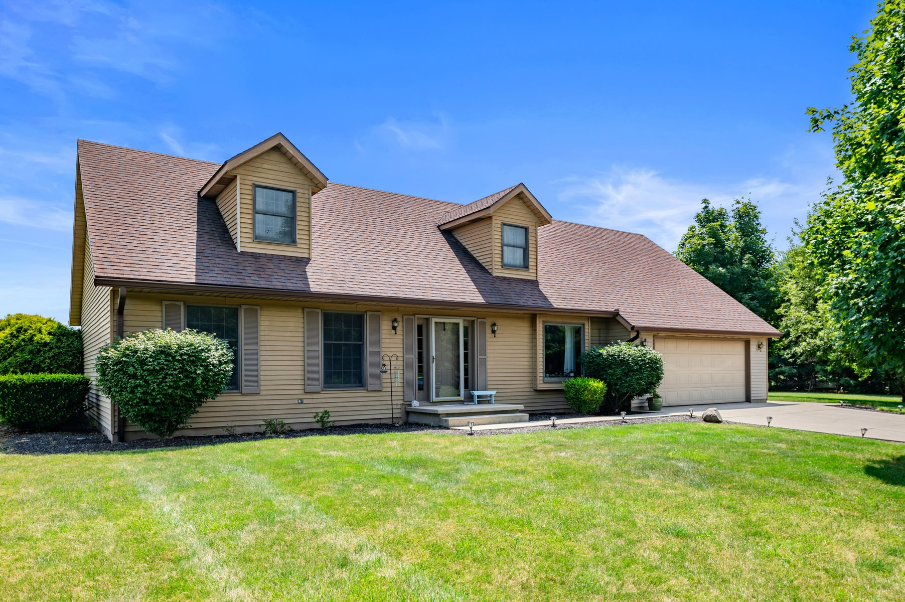 Country Home for Sale Selma, IN
