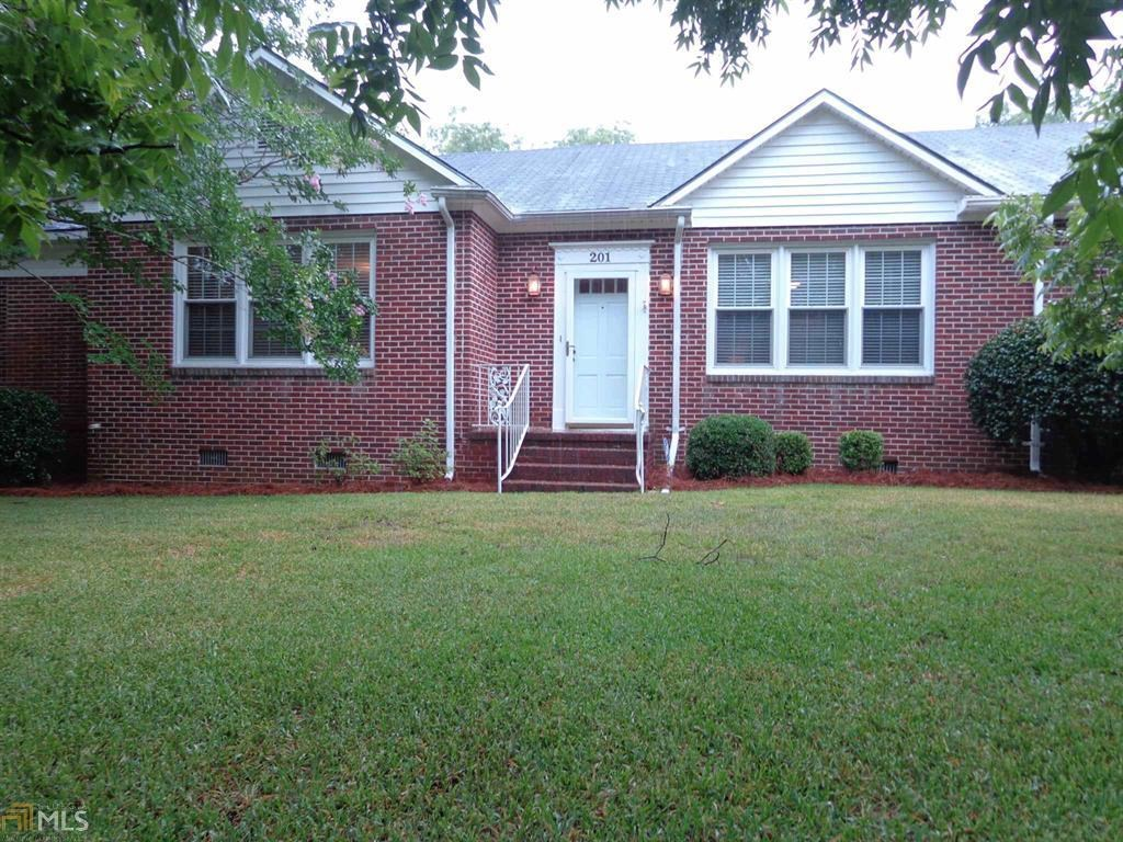 Home for Sale in Downtown Sylvania, GA