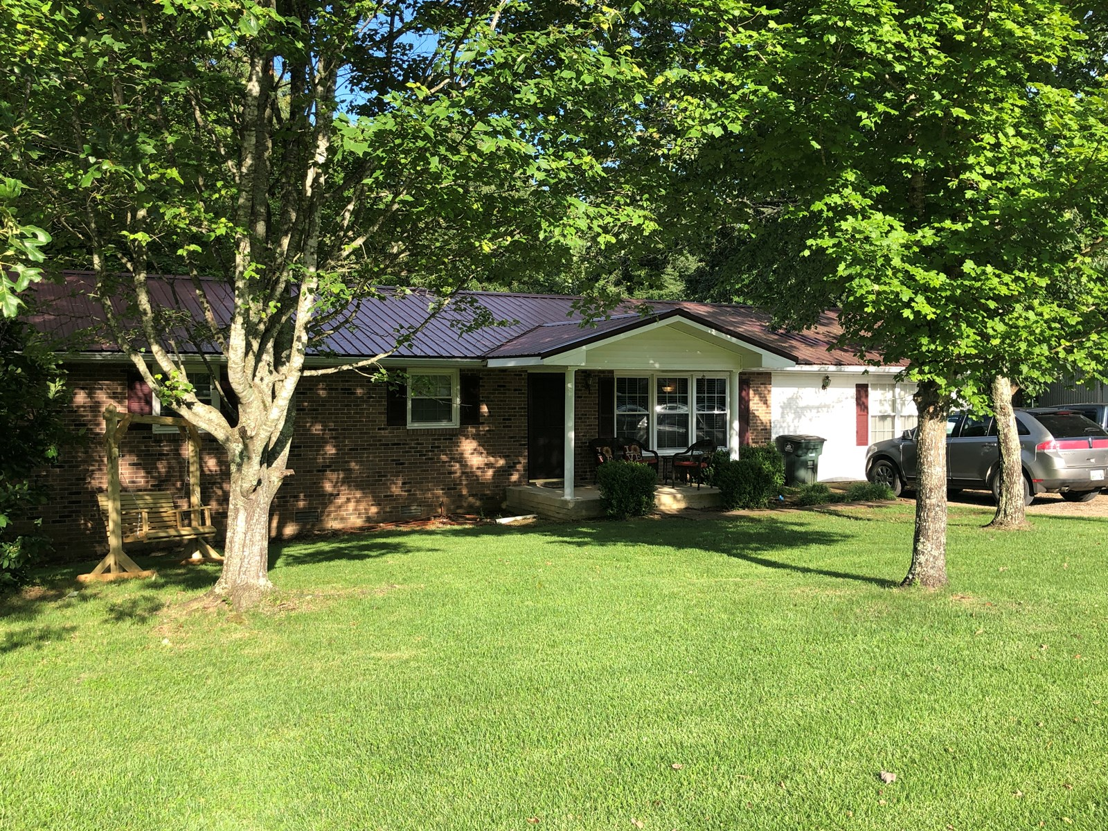 4 BEDROOM BRICK HOME FOR SALE IN WAYNE COUNTY TN
