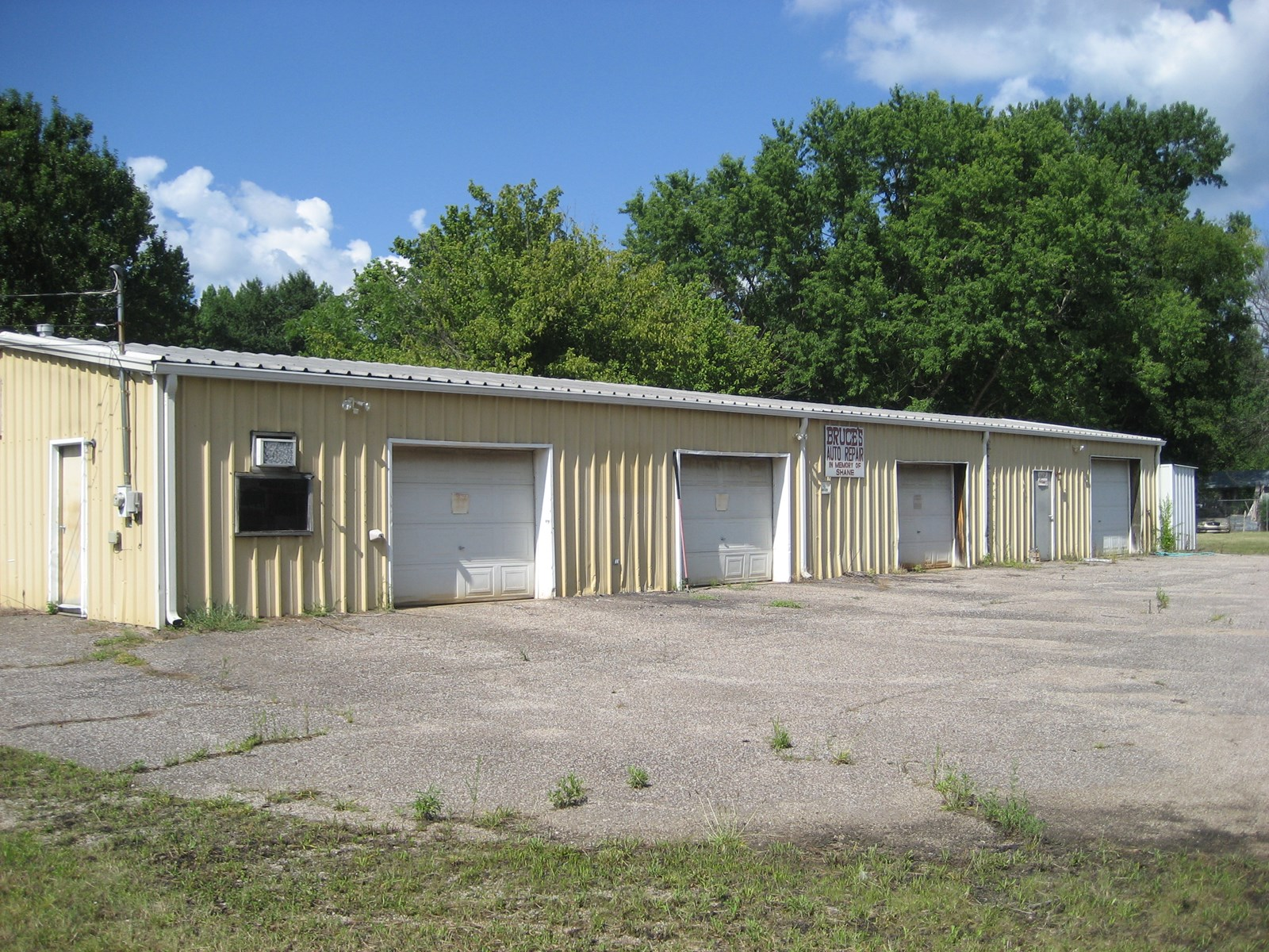 COMMERCIAL BUILDING FOR SALE IN TN – AUTO REPAIR SHOP