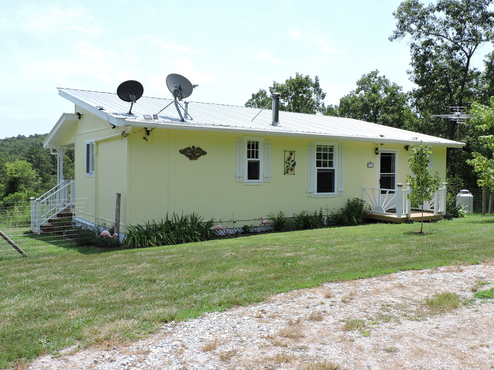 Off the Grid Home on Acreage Near Bull Shoals Lake for Sale