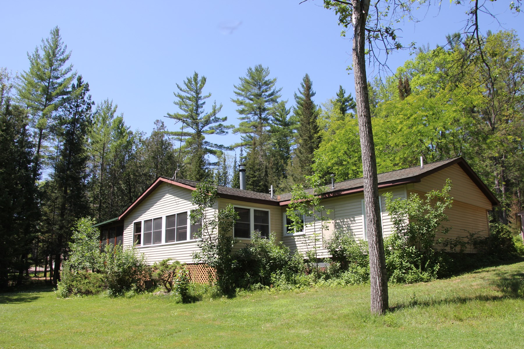 River Home For Sale Northern MI. Thunder Bay River  10 Acres