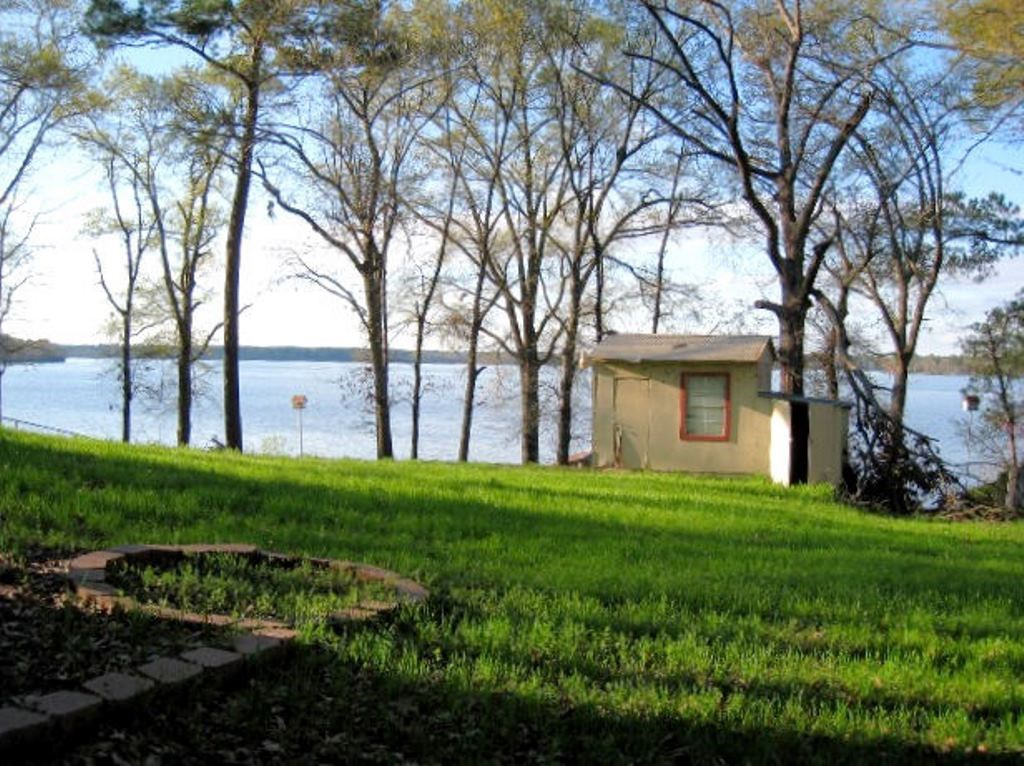 WATERFRONT LOT FOR SALE ON LAKE PALESTINE TX