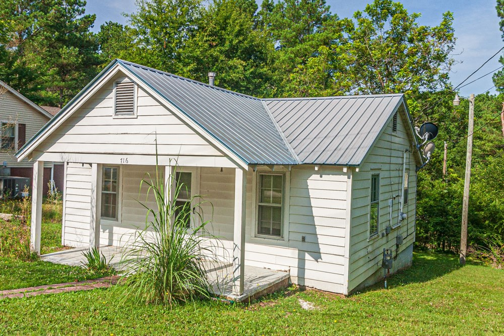 Investment Property or Starter Home in Selmer, TN