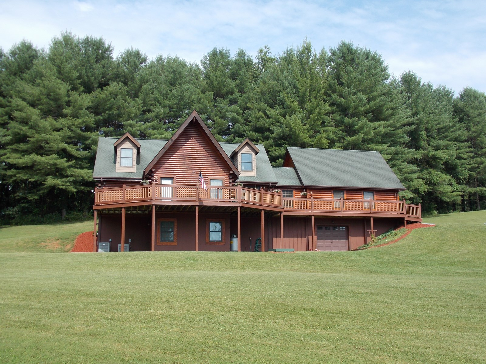 Beautiful Log Home for Sale in Floyd County VA