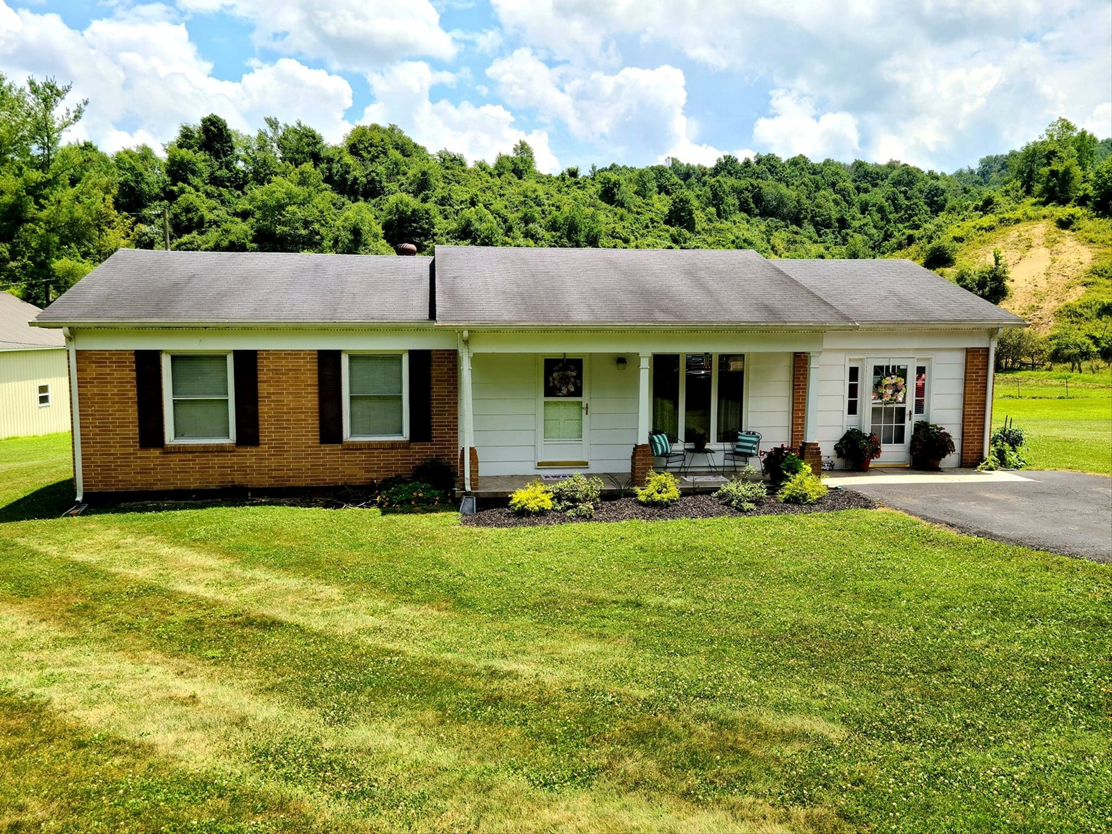 3 BR 1.5 BA Updated Home Witten Valley Area of Tazewell