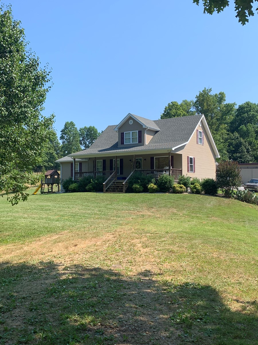 Home For Sale in Burkesville KY