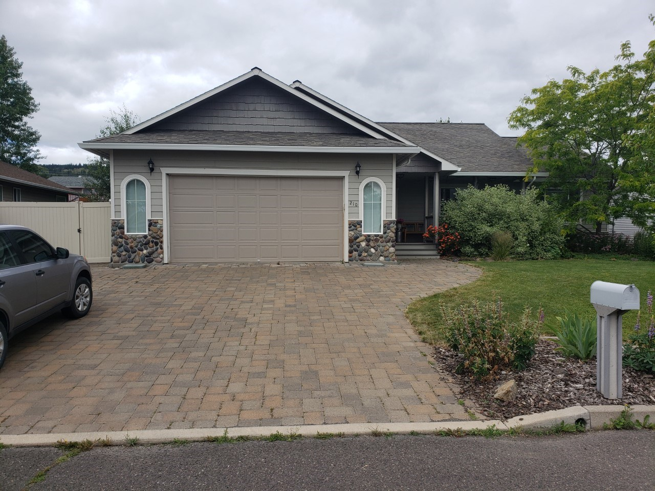Eastern Oregon Home in Town for Sale near University