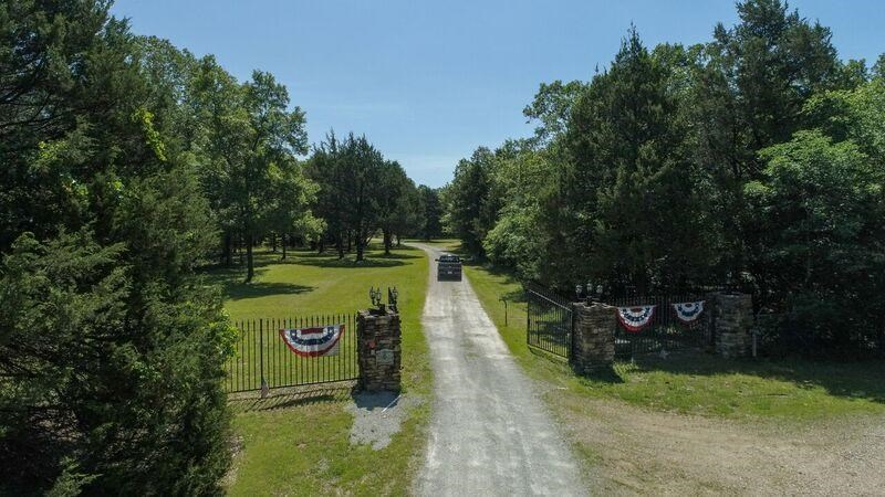Lot 41 in Lakeshore Acres in Gated Community on Bull Shoals