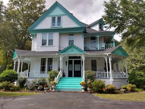 HISTORIC QUEEN ANNE HOME FOR SALE, TRENTON, TN GIBSON COUNTY