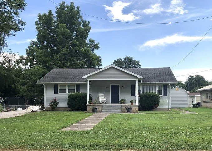 Country Home for Sale in Cynthiana, Indiana
