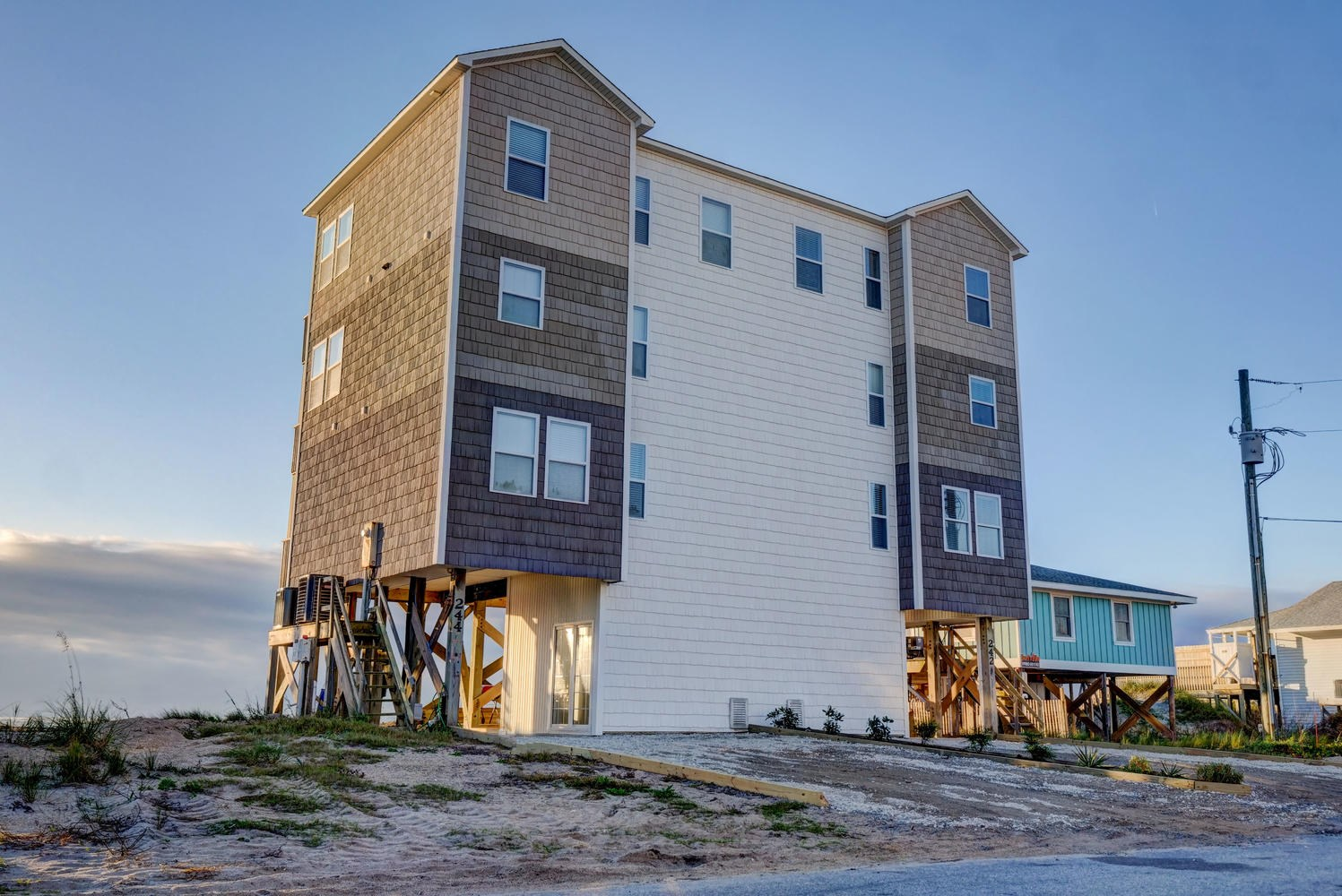 Duplex (Both Sides) For Sale in North Topsail Beach