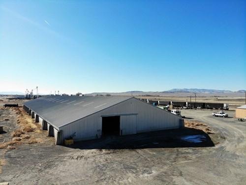 Large industrial parcel w/36,000 sq ft. Warehouse, railroad