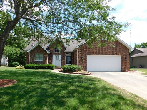 Beautiful 4 Br 3 Bth home in the Bluffs subdivision.