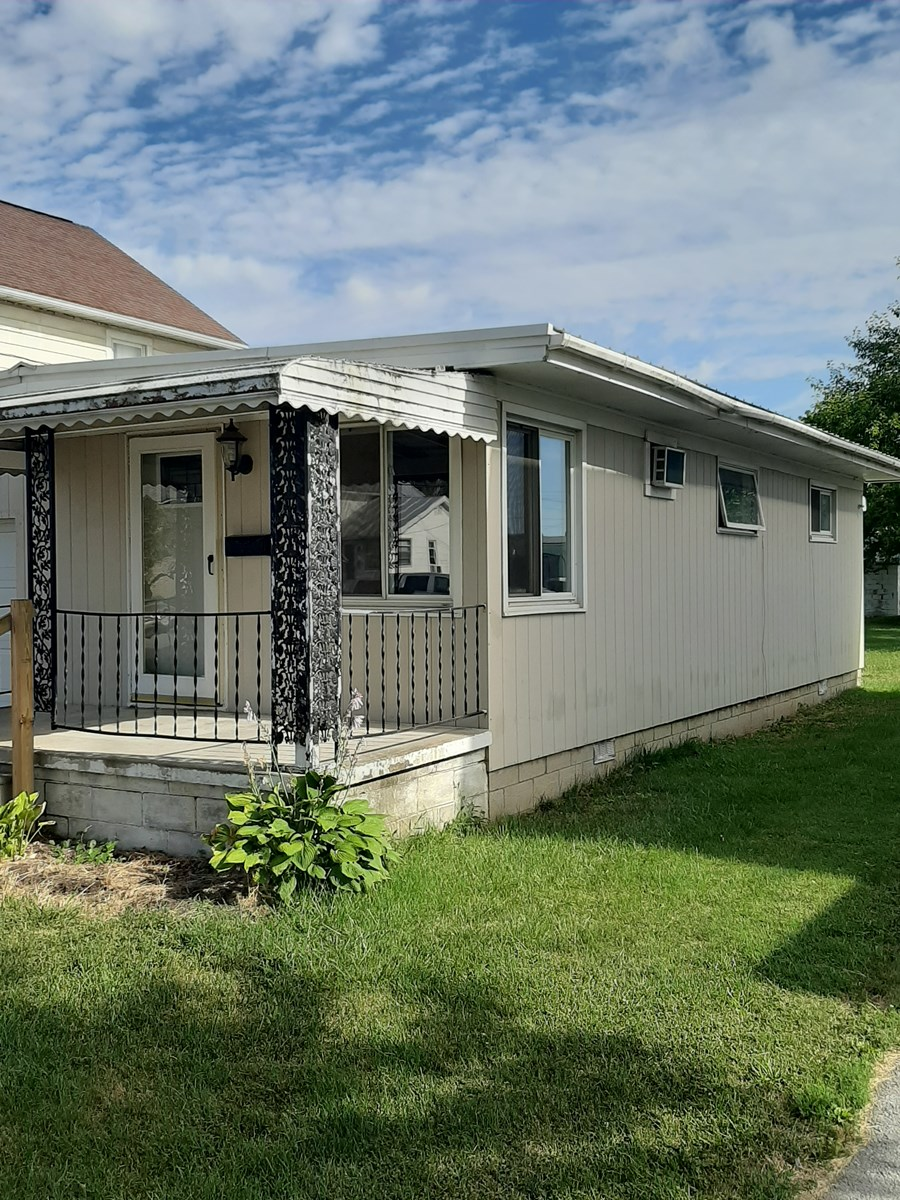 ! Bedroom Ranch Home for Sale in Carey, Ohio