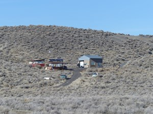 389+ ACRES 27 MILES SOUTH OF BURNS OR