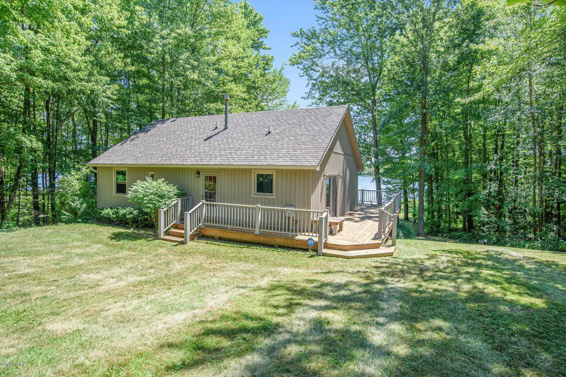 SW Michigan lakefront cottage - enjoy the lake life