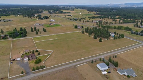 10 Acre Country Home in Cheney, WA with Horse Setup