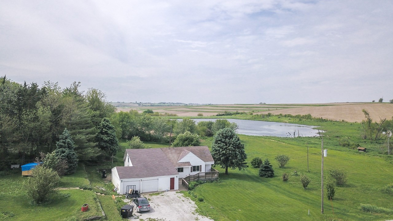 Country Home 16 acres with pond!