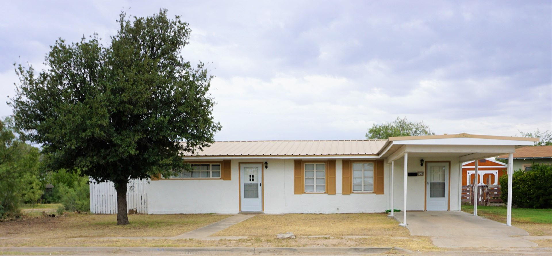 COZY 2 BDRM AND 1 BA HOME LOCATED IN FORT STOCKTON TEXAS