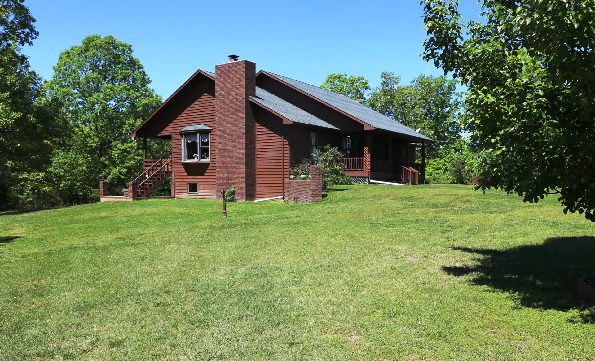 Equine Property and 4-5 Bedroom Home in the Missouri Ozarks