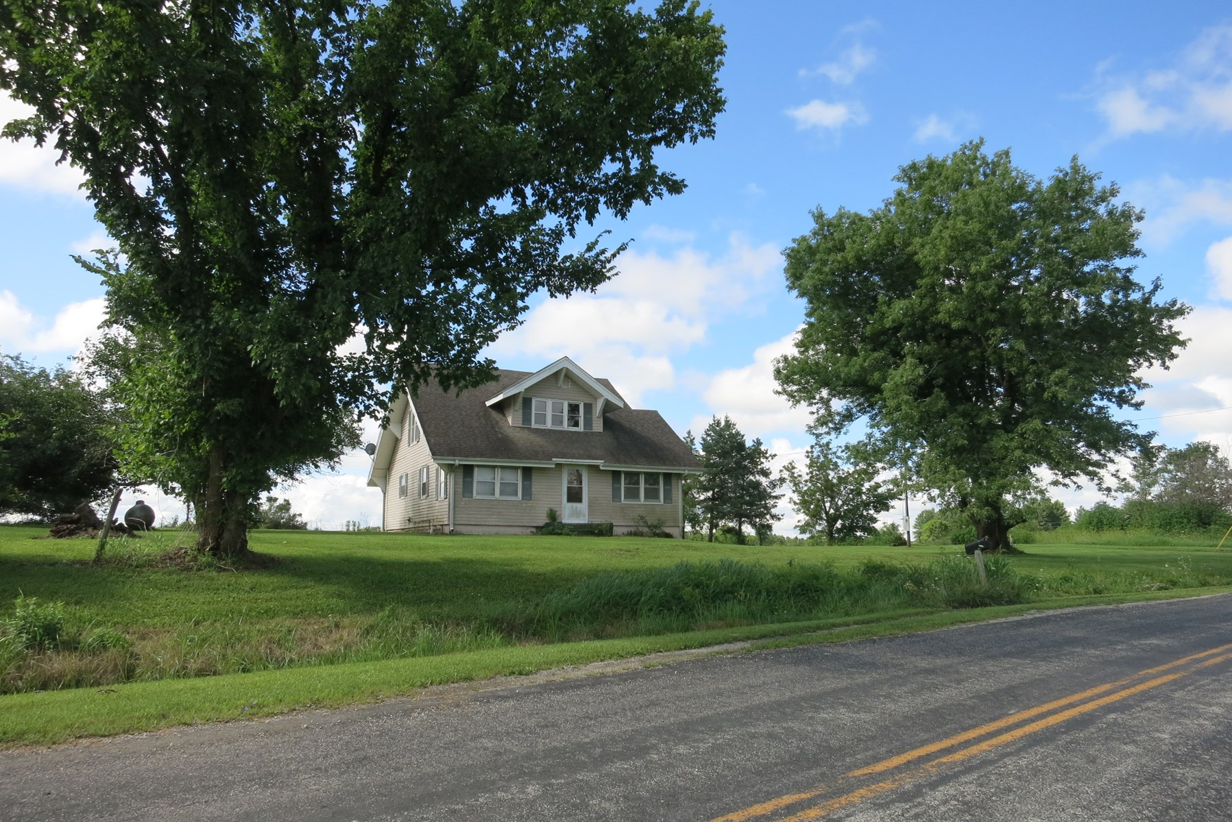 Home On 4 Country Acres in Northwest Missouri