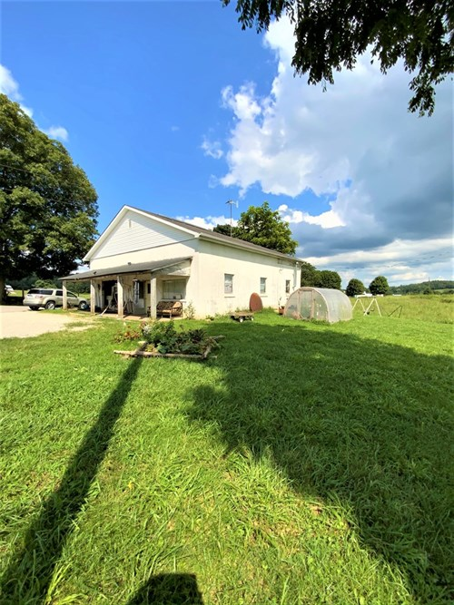 2 Bed, 1 bath home/storefront for sale in Hart County, KY