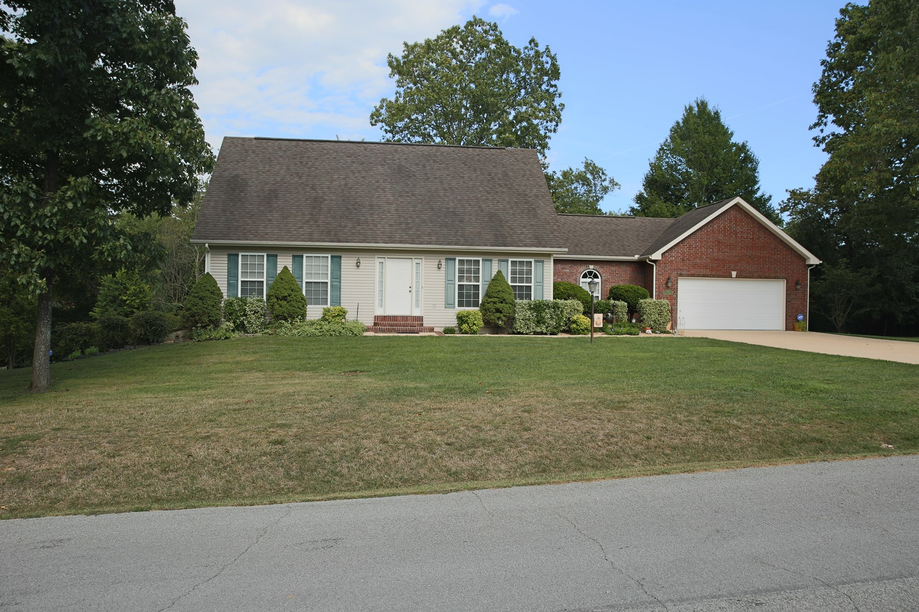 Family Home in Fairview School District, West Plains